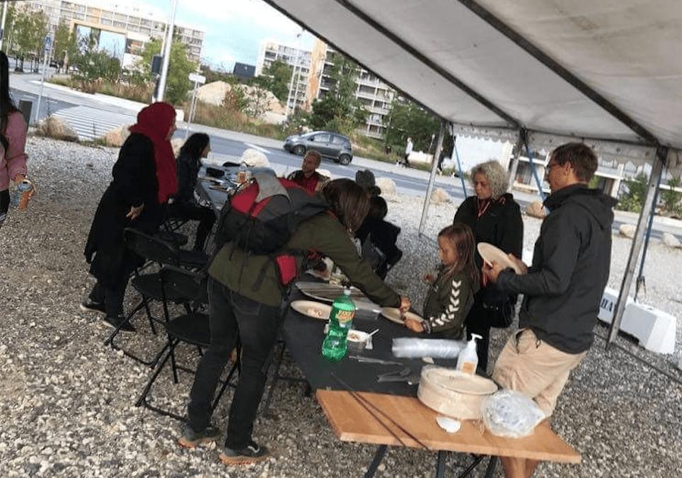 På trods af corona: Hyggelig grillfest for Gellerups unge