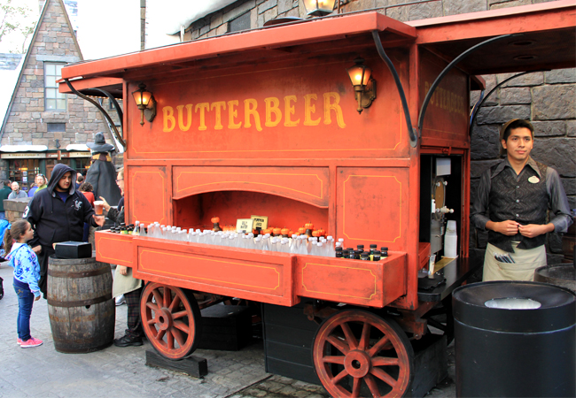 Universal-Orlando-Harry-Potter-Butterbeer-Cart-650x450