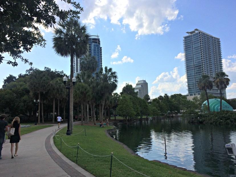 walk-at-lake-eola-park