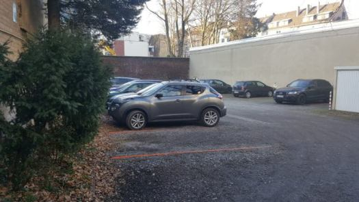 Die ausreichend Parkplätze