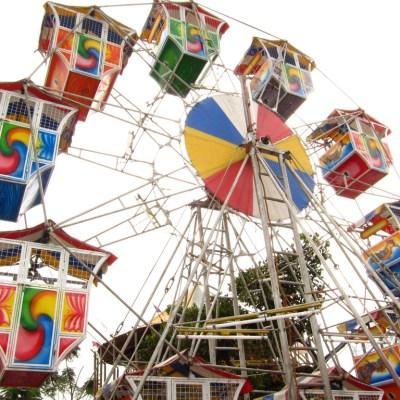 ferris wheel in temporary fair, San Juan