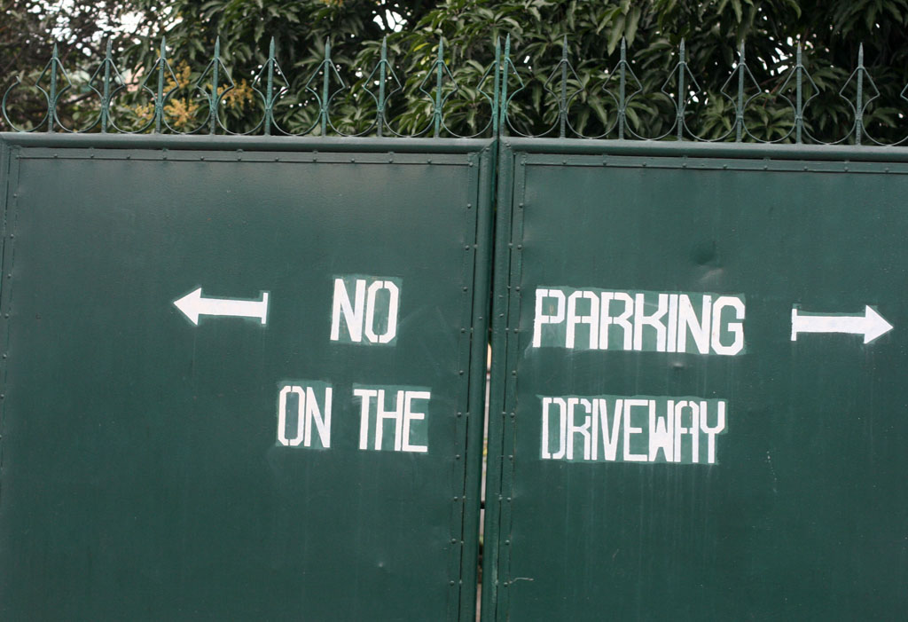 no parking on the driveway