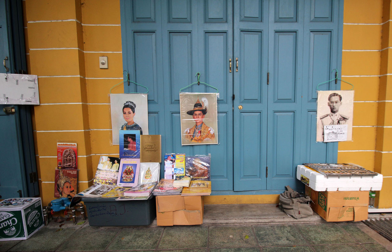 stalls selling photos of the late Thai king