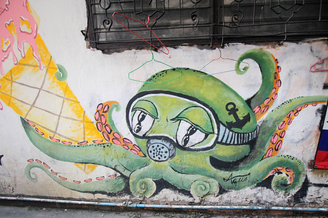 5-Day 2- graffiti in Ratchathewi – 1