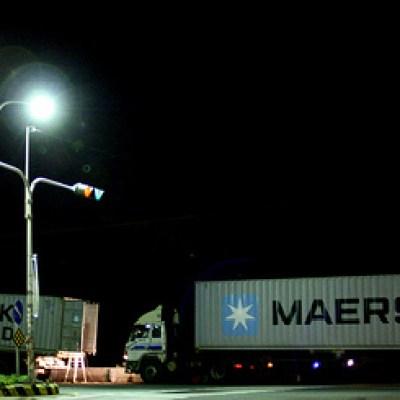 maersk shipping trucks