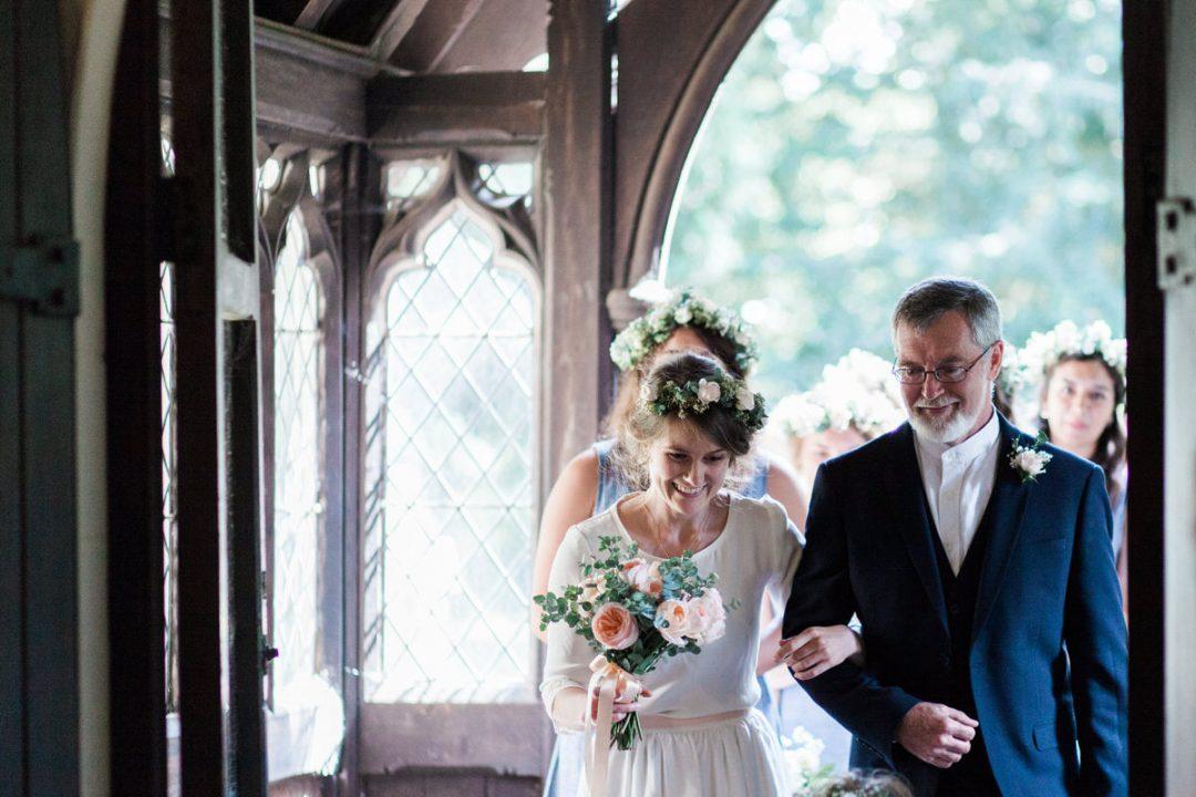 Am I allowed wedding photos in my church?
