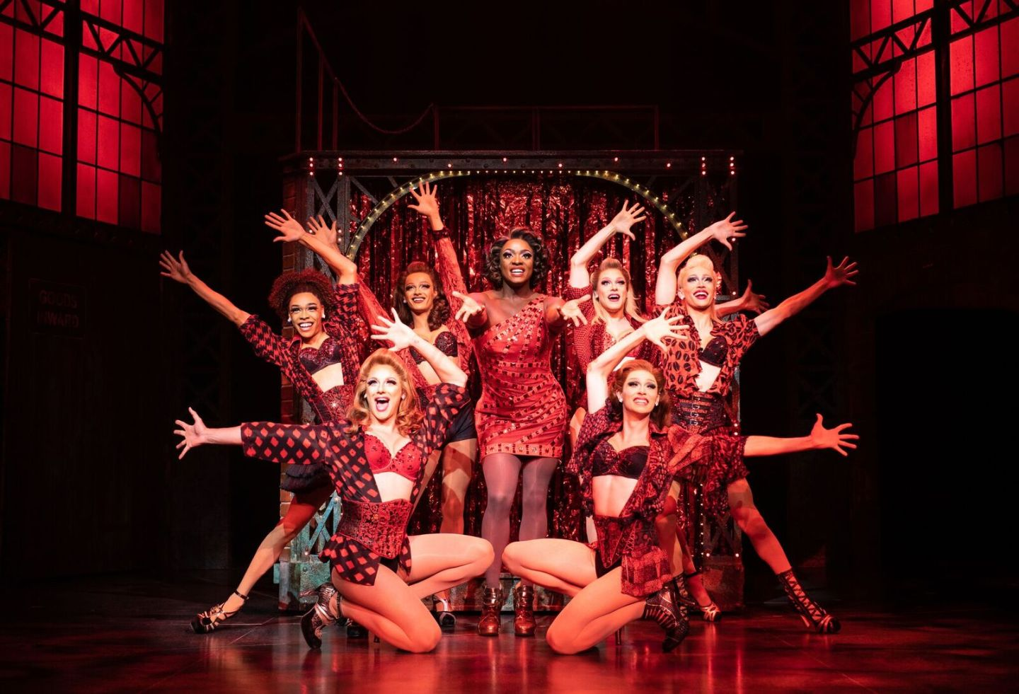 jLxc5Wrc - Kinky Boots Wows At Sunderland Empire