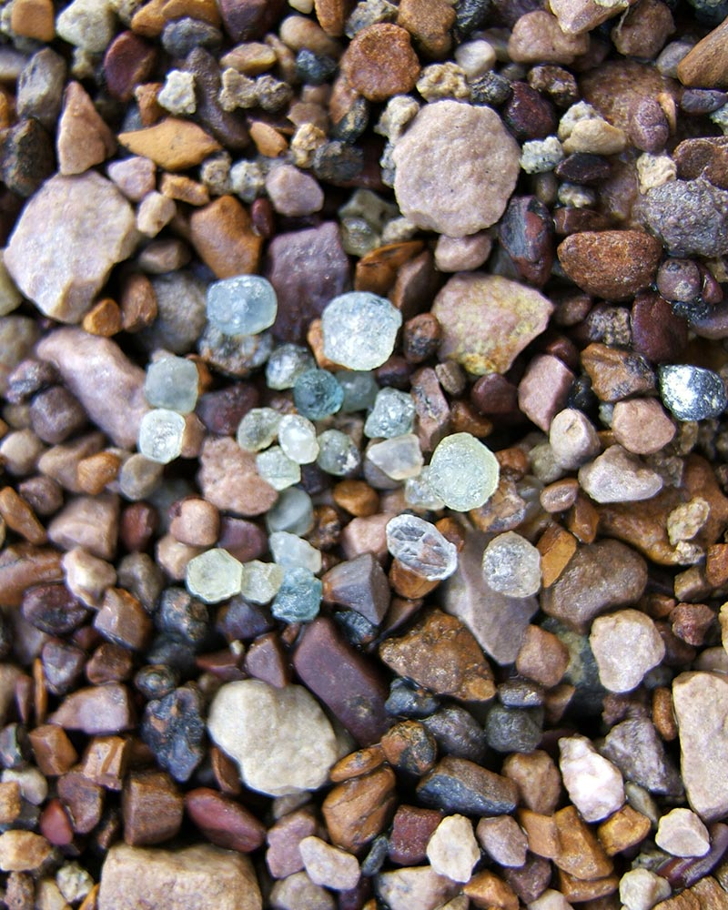 sapphire gravel mine gem