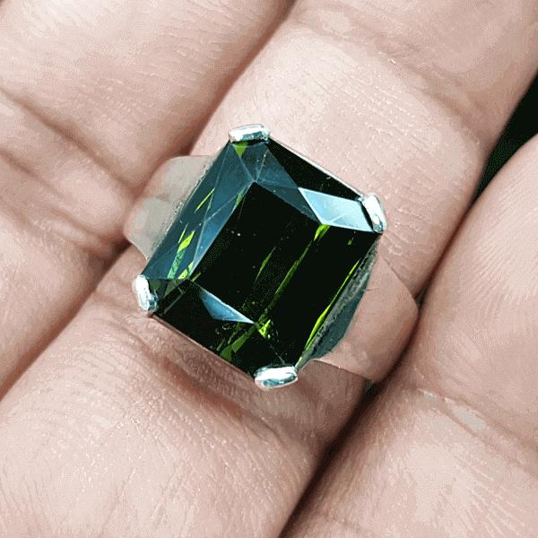 An Original Natural Brazilian Green Tourmaline Stone Price In Bangladesh - অরিজিনাল ন্যাচারাল ব্রাজিলিয়ান গ্রীন টুরমুলিন পাথরের দাম