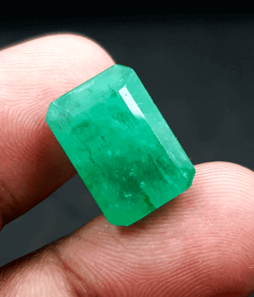 An Original Natural Colombian Emerald (Panna Pathor) Stone - অরিজিনাল কলম্বিয়ান পান্না বা জমরুদ পাথর