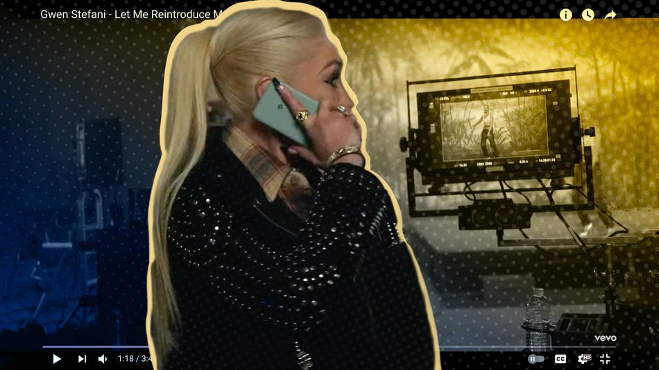 gwen-stefani,-let-us-reintroduce-you-to-how-to-properly-hold-a-phone