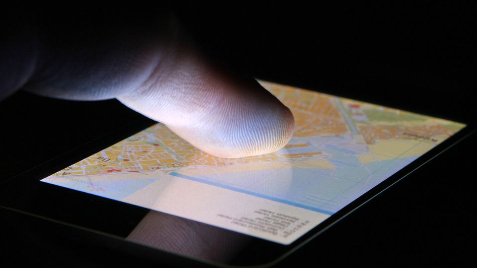 how-to-turn-on-your-location-on-an-iphone