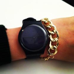 Watches & chain bracelets is the new black ;)
