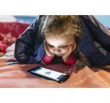 Photo of Türkiye'de anne babaların %39'u çocuklarının izlediği video ve diğer dijital içeriklerin ne olduğunu bilmiyor