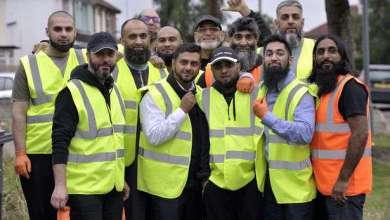 Photo of 'Sakallı Kardeşler Grubu' Kendi Sokaklarını Kendileri Temizliyor
