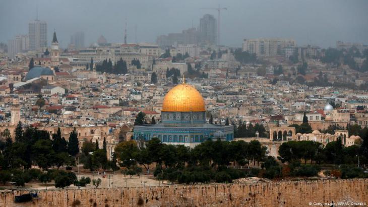 للقدس ربّ يحميها - فلسطين