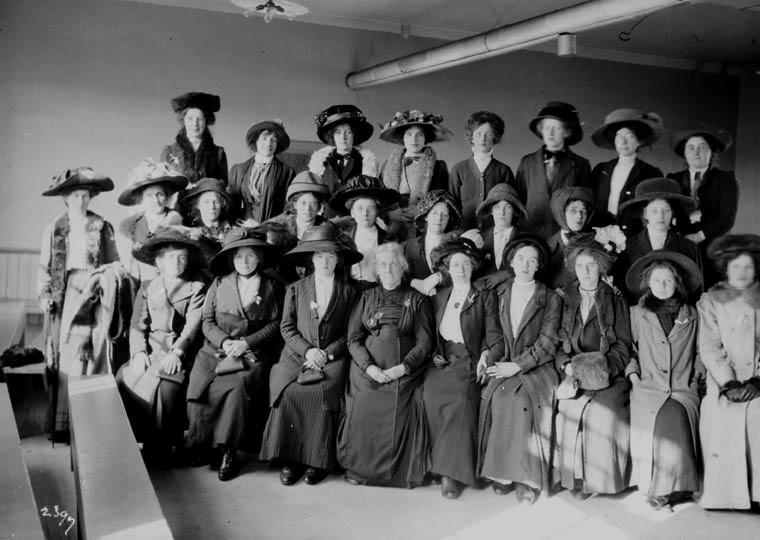 domserv-1911.jpg