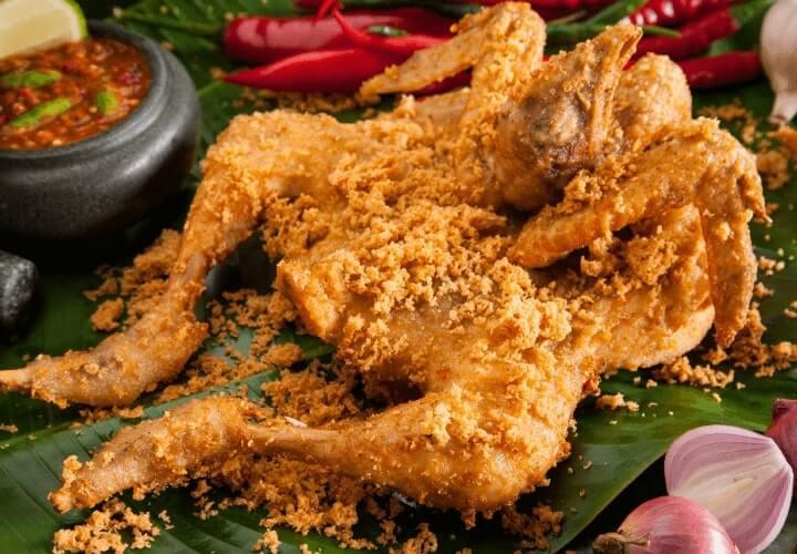 ayam goreng makanan khas indonesia