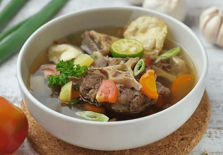 sop buntut makanan khas indonesia