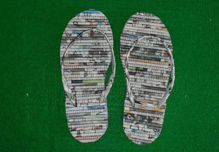 kerajinan sandal dari limbah kertas