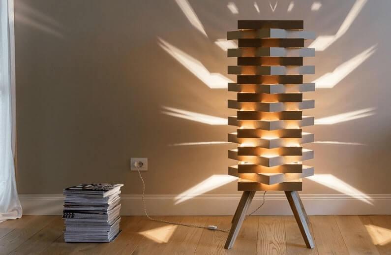 kerajinan dari barang bekas kardus berbentuk tempat lampu