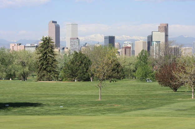 Mount Evans and Denver Skyline courtesy of Herrera on Flickr.