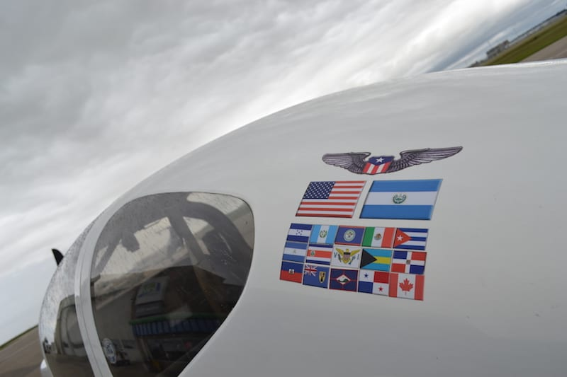 n819pr-airplane-flags