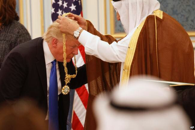 Trump USA Saudie Arabien Gold