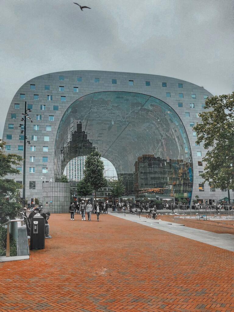 20h dans la ville portuaire de Rotterdam