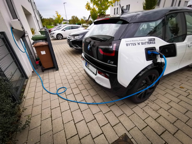 BMW i3s laden an der Wallbox