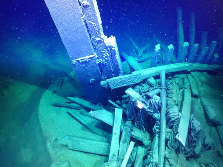 This ROV image shows the level of preservation that the Black Sea offers. Coils of rope and carvings are still looking fresh after hundreds of years. Photo Rodrigo Pacheco-Ruiz.