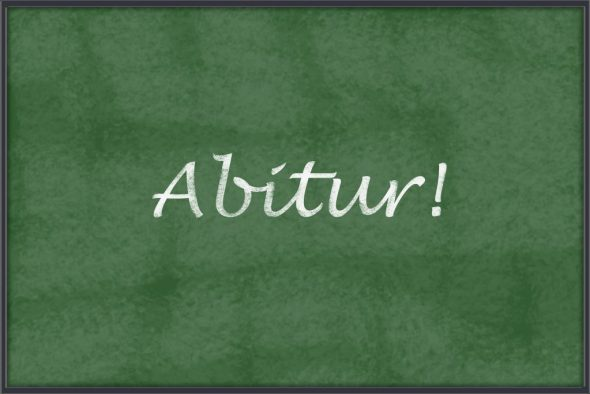 https://pixabay.com/de/abitur-abschluss-tafel-schule-536575/
