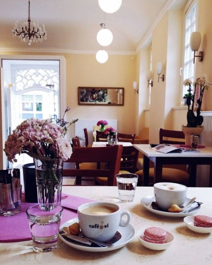 French atmosphere in this lovely Aux macarons café Photo by Sibel Geldi