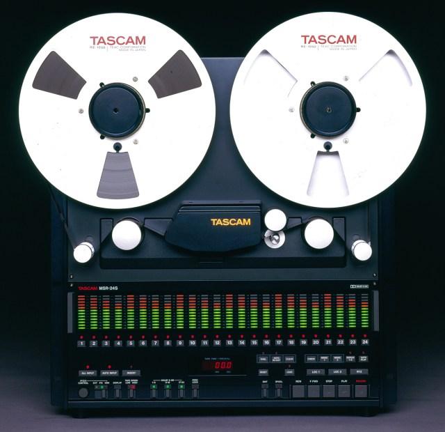 Tascam MSR-24S Studio Bandmaschine