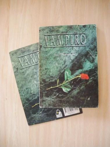 Manual y pantalla de Vampiro 1ª edición.
