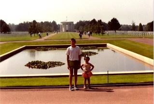 1990 (18)