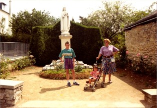 1990 (19)