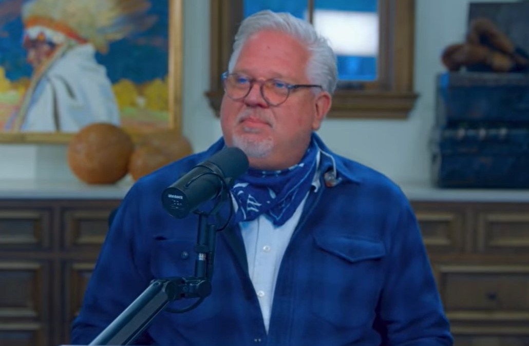 Glenn Beck: The Change from the US Dollar to a Digital Currency is Coming