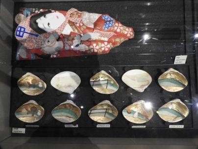 sculptures dans des ormeaux