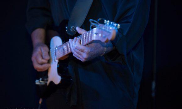Iconic Guitar Riffs - live music