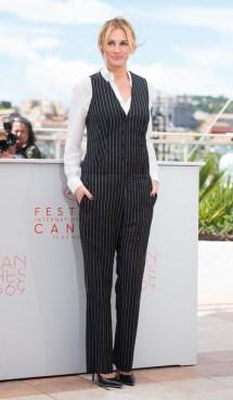 Julia Roberts en combi-pantalon et bijoux Repossi