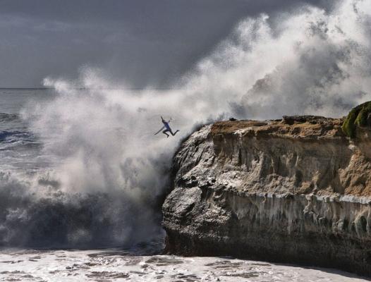 surfer-jump525