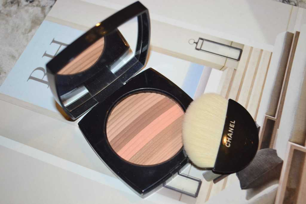 Chanel les beiges healthy glow highlighting powder