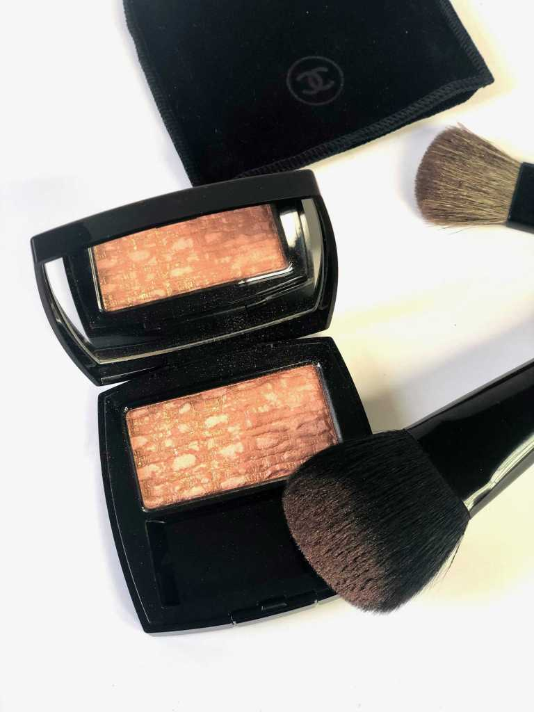 Chanel Les Tissages Tweed Beige blush with chanel blush brush