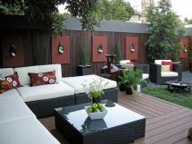 Stunning Courtyard Interior Wall Decorating Ideas