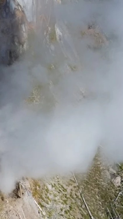 Avalanche Geyser, Yellowstone National Park