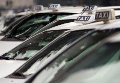 Emergenza caldo, taxi scontato per donne incinte e over '65, ma solo su prepagato e app
