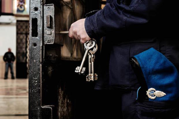 Perseguita professionista, i carabinieri arrestano sessantunenne di Bargagli