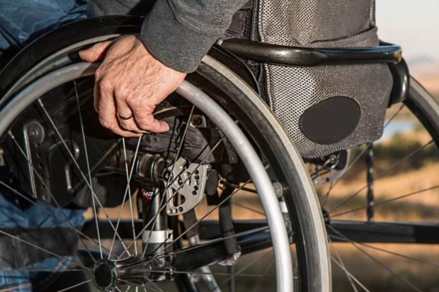 sedia-a-rotelle-carrozzina-disabili-e1468861354842