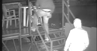 """Ecco i razziatori del PalaCep. Besana: """"Ladri dal culo flaccido"""" – IL VIDEO"""